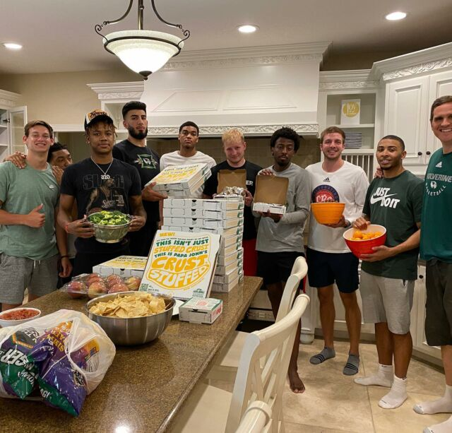 First @uvumbb practice is two days away and these great student athletes making way back to @orem_city.Now we just need them to make the right nutrition choices! 💯🔥 zoom in to see!Grateful our new strength coach @thisismayhem_ will be here Monday to educate on nutrition. 👍🏾#ncaahoops #uvulife #wacsports #utahcounty #uvustudents #collegebasketball